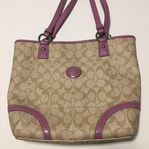 Medium sized Authentic Coach Shoulder Bag